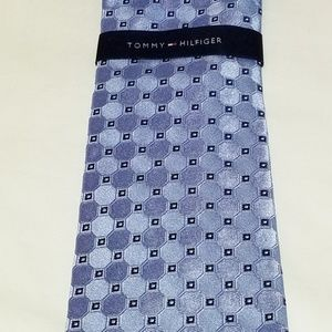 New Men's Tommy Hilfiger Neck Tie - Never Worn